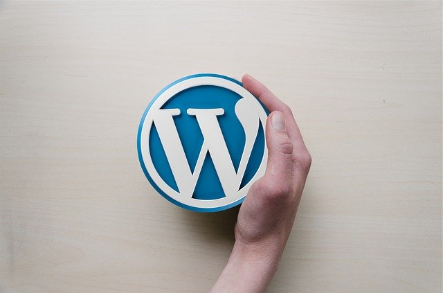 wodpress is probably the most popular and still the msot widely used web builder today